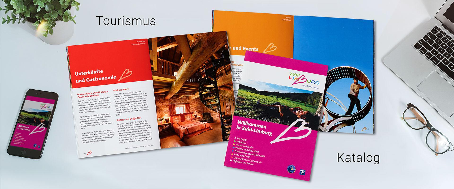 Tourismus_Katalog_mit_Handy_800